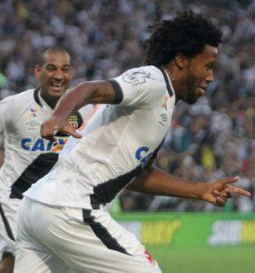 Vaz comemorando o gol do título (Foto: www.vasco.com.br)